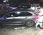 Wjechali na parking kradzionym porsche. Rozpoznajesz ich?