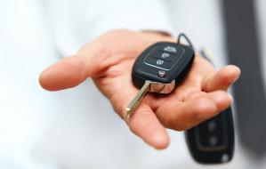 Odpowiedzialność za służbowy samochód. Jaką umowę podpisać z pracodawcą?