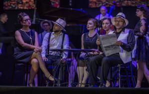 Udany powrót do przeszłości z Akademickim Chórem UG w Operze Leśnej