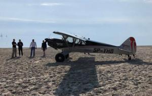 Na plaży w Gdyni wylądował samolot