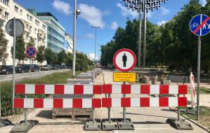 Gdynia: asfalt zamiast betonu na drodze rowerowej do bulwaru