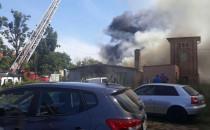 Dym obok lotniska to pożar złomowca