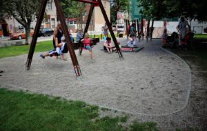 Plac zabaw na skwerze Świętopełka budzi zastrzeżenia rodziców