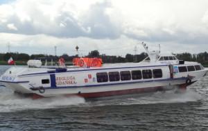 Statki pasażerskie na Zatoce. Co pływa i czemu nie wodoloty?