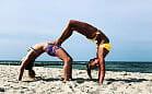 Joga na plaży i w innych nietypowych miejscach