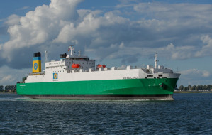 Większy statek na linii z Gdyni do Nynäshamn