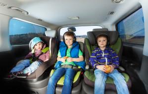 Jak bezpiecznie przewozić dziecko w aucie