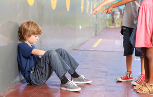 Mówisz dziecku, że nieładnie jest skarżyć? Natychmiast przestań!