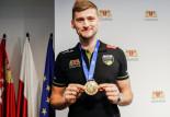 Piotr Nowakowski, mistrz świata w siatkówce będzie mył naczynia
