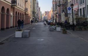 Słupki na deptakach w centrum Gdańska do naprawy