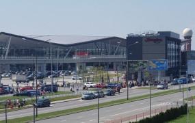 Lotnisko w Gdańsku rośnie, ale konkurencja je przegania