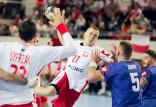 Trójmiejscy piłkarze ręczni trenowali razem. 5 bramek Kondratiuka dla Polski