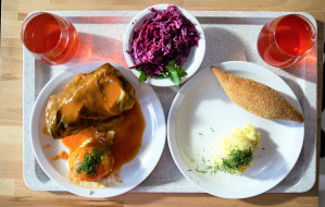 Jemy na mieście: Po prostu - tanio, ale mało smacznie