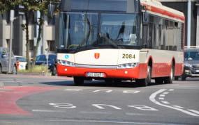 Czy kierowca powinien wypuścić pasażerów?