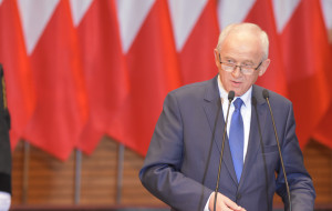 Minister odwołuje podwyżki i sam sobie zaprzecza