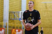 Trefl Sopot wciąż porządkuje skład koszykarzy. Jakub Motylewski w Lesznie