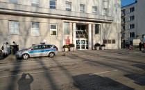 Ostrzeżenie przed bombą i ewakuacja Urzędu...