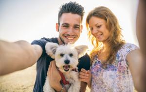 Randkowanie z miłośnikiem zwierząt - jak to ugryźć?