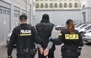 Po kokainie, bez prawa jazdy uciekał przed policją