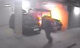 Podpalił meleks w hali garażowej. Poznajesz go?