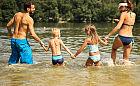 Aktywna babeczka. Kiedy zacząć pływać w morzu, zatoce i jeziorach?