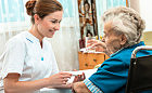 Pełni empatii i odpowiedzialności. Opiekują się seniorami czy pamiętają o sobie?