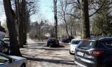 Koniec z parkowaniem w bocznej uliczce przy cmentarzu w Oliwie