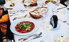 Lody cebulowe i rostbef z mango: autorska kolacja w Willi Lubicz