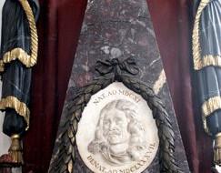 Pomniki Heweliusza