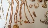 Fałszywe urzędniczki okradły seniorkę z biżuterii i pieniędzy