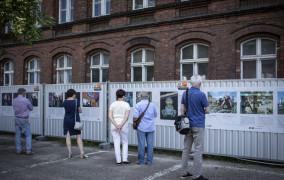 Historia stoczni na zdjęciach rodziny fotoreporterów