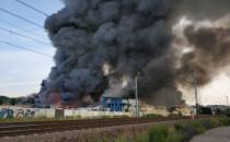 Pożar w Gdańsku Oruni. Paliły się hale...