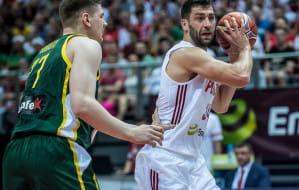 Adam Hrycaniuk z koszykarzami Arki Gdynia chce grać o najwyższe cele