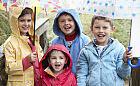 Pomysł na spacer z dzieckiem - dokąd wybrać się w niepogodę?