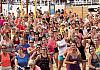 Kilkaset osób tańczyło zumbę na plaży w Brzeźnie