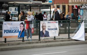 Przybywa plakatów wyborczych. Część w niedozwolonych miejscach