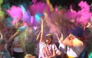 Pobiegnij na kolorowo wokół Ergo Areny