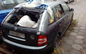 Miasta złomują na swój koszt dziesiątki porzuconych aut