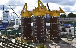 Załadunek 120-tonowej konstrukcji z Mostostalu Pomorze