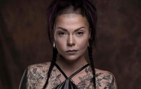 Fotografia z pazurem. Wywiad z Karoliną Orzechowską