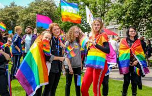 """Młodzież przeciwko homofobii. """"Tęczowy piątek"""" w szkołach"""