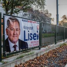 Wybory się skończyły, ale część plakatów wyborczych jeszcze wisi