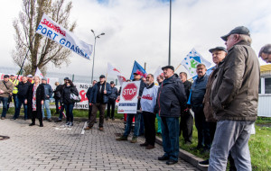 Protest portowców tym razem przed OT Port Gdynia