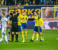 Arka Gdynia - Legia Warszawa 0:1. Czerwona kartka i kontrowersje sędziowskie