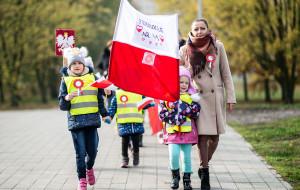 """""""Mazurek Dąbrowskiego"""" w szkołach i przedszkolach"""