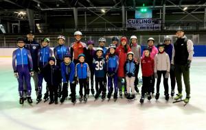 Short track dla najmłodszych. Wyższa szkoła jazdy szybkiej na lodzie