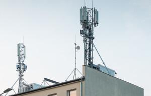 Operator komórkowy chce postawić 46-metrowy maszt przy parku Reagana