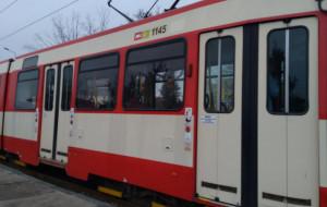Chuligani wyrwali drzwi w tramwaju