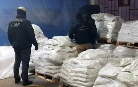 Prawie 2 tony kokainy w Gdyni. W kontenerach miała być kreda