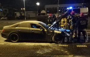 Marynarze ORP Błyskawica ugasili pożar samochodu